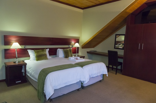 Room 12, Garden Access, Twin/King Bed, Self Catering